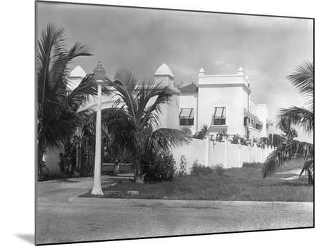 Exterior of Al Capone's Home--Mounted Photographic Print