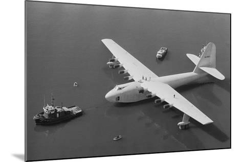 Howard Hughes' Spruce Goose--Mounted Photographic Print
