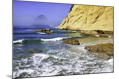 Haystack Rock, Cape Kiwanda, Oregon Coast, Pacific Ocean, Pacific Northwest-Craig Tuttle-Mounted Photographic Print