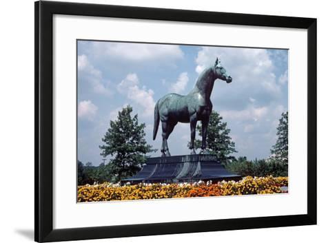 Man O' War Racehorse Statue in Kentucky Horse Park, Lexington, Kentucky, Usa, August 1984-Alain Le Garsmeur-Framed Art Print