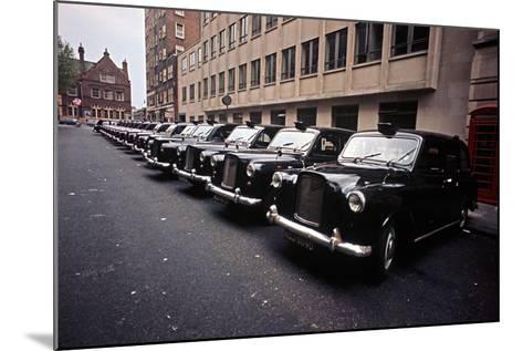 THE LE GARSMEUR LONDON PHOTOGRAPHS-Alain Le Garsmeur-Mounted Photographic Print
