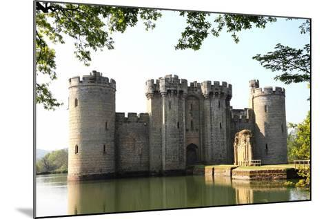 Bodiam Castle-Tony Baggett-Mounted Photographic Print