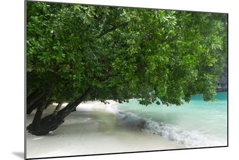 Hong Island Beach in Krabi Thailand-weltreisendertj-Mounted Photographic Print