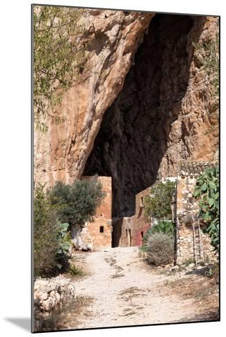 Mangiapane Cave, Sicily : A Village in A Cavern-Spumador-Mounted Photographic Print