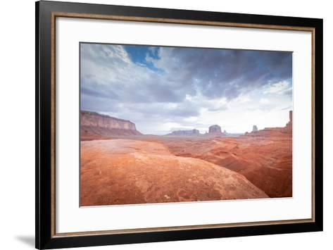Valley Monument Canyon Colorado Sandstone-weltreisendertj-Framed Art Print