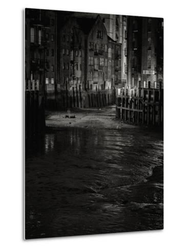 Olivers Place-Doug Chinnery-Metal Print