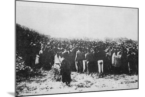 Fatima Crowd--Mounted Photographic Print