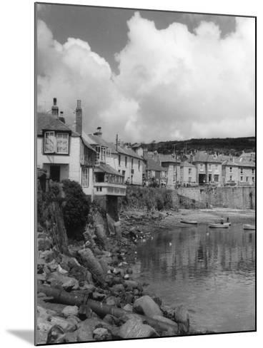 England, Mousehole--Mounted Photographic Print