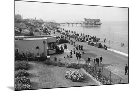 Parade at Cleethorpes-Staniland Pugh-Mounted Photographic Print
