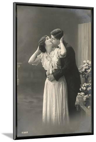 Two Lovers Embrace and Kiss--Mounted Photographic Print
