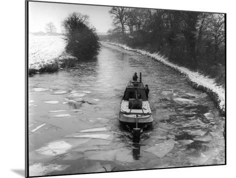 """An """"Icebreaker"""" Narrow Boat--Mounted Photographic Print"""