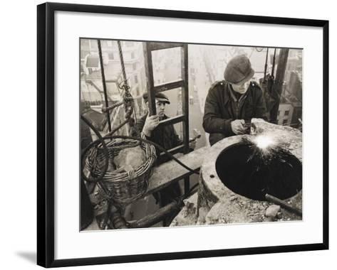 War Effort WWII-Robert Hunt-Framed Art Print