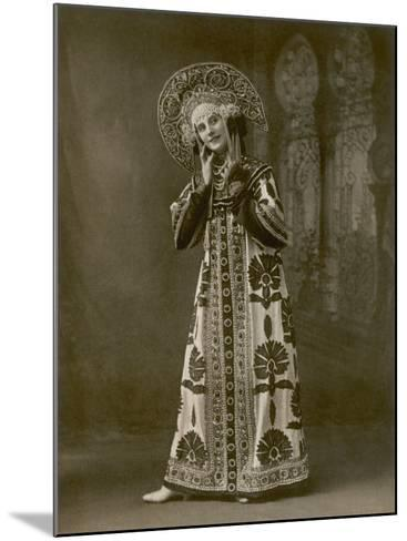 Anna Pavlova Russian Ballet Dancer During a Performance--Mounted Photographic Print