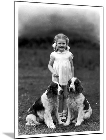 Child and Spaniel--Mounted Photographic Print