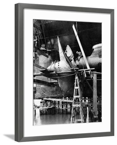 Propellor of R.M.S. Queen Mary, September 1934--Framed Art Print