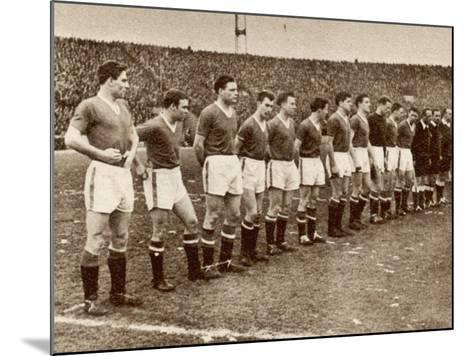 Manchester United Team before the Air Disaster at Munich--Mounted Photographic Print
