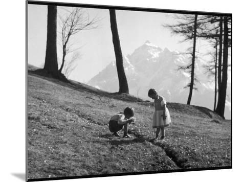 Romania Children--Mounted Photographic Print