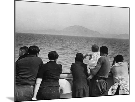 Refugee Ship WWII-Robert Hunt-Mounted Photographic Print