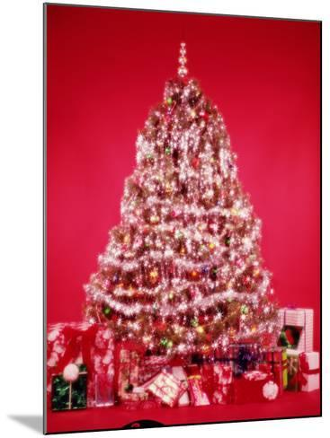 Christmas Tree-H^ Armstrong Roberts-Mounted Photographic Print