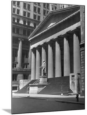 New York, Wall Street, Federal Building-George Marks-Mounted Photographic Print