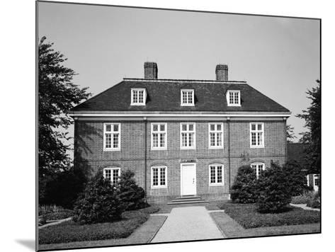 Pennsbury Manor-H^ Armstrong Roberts-Mounted Photographic Print