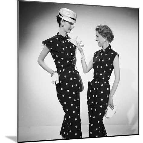 Like a Hanky?-Chaloner Woods-Mounted Photographic Print