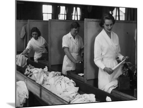 Laundry Workers-Chaloner Woods-Mounted Photographic Print