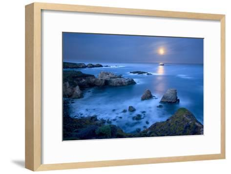 Dawn Moonset at Garrpata State Park-Don Smith-Framed Art Print