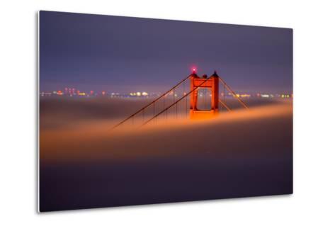 Golden Periscope - Golden Gate Bridge, San Francisco-Vincent James-Metal Print