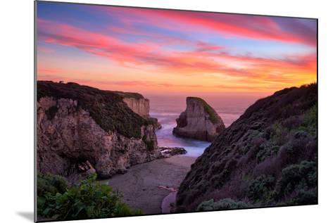 Bluff Sunset View at Shark Fin Cove, California Coast, Santa Cruz, Davenport-Vincent James-Mounted Photographic Print