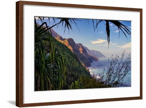 Island Experience, Hiking the Na Pali Coast, Kauai, Hawaii-Vincent James-Framed Art Print