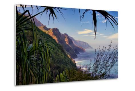 Island Experience, Hiking the Na Pali Coast, Kauai, Hawaii-Vincent James-Metal Print