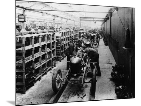 Assembly Line of the Morris Bullnose, Cowley, Oxfordshire, 1925--Mounted Photographic Print
