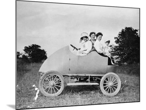 Robert Wil-De-Gose, His Mother and Nanny in the Bug, 1912--Mounted Photographic Print