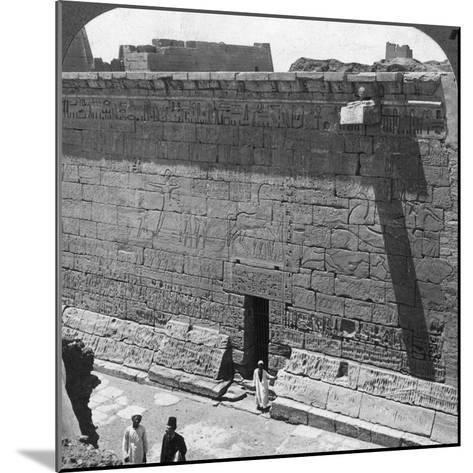 Scenes of Battle and the Chase Carved on a Wall at Medinet Habu, Thebes, Egypt, 1905-Underwood & Underwood-Mounted Photographic Print