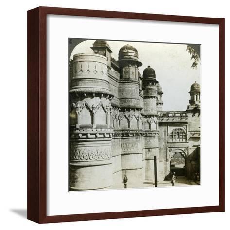 Man Singh Palace, Gwalior, Madhya Pradesh, India, C1900s-Underwood & Underwood-Framed Art Print