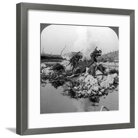 British Soldiers in Action at the Crozat Canal, France, World War I, 1914-1918--Framed Art Print