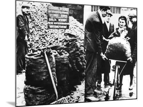 Winter Relief, Distribution of Coal, France 1940-1944--Mounted Photographic Print