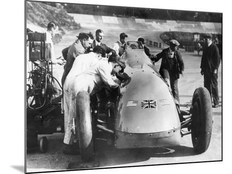 Bluebird at Brooklands, Surrey,1928--Mounted Photographic Print