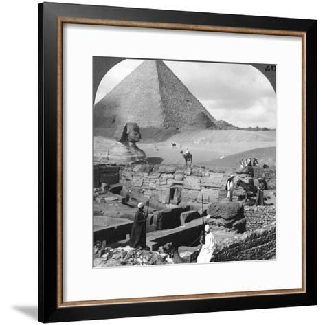 Ruins of the Granite Temple, the Sphinx and Great Pyramid, Egypt, 1905-Underwood & Underwood-Framed Art Print