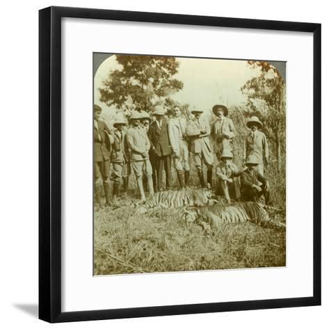 Tiger Hunting, Cooch Behar, West Bengal, India, C1900s-Underwood & Underwood-Framed Art Print