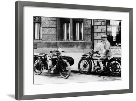A Man on a Norton Bike, Model 16H 490CC SV, 1924--Framed Art Print