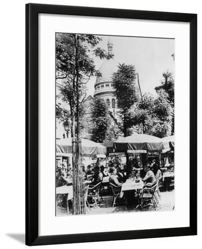 German Soldiers Relaxing Outside a Restaurant in Montmartre, Paris, June 1941--Framed Art Print