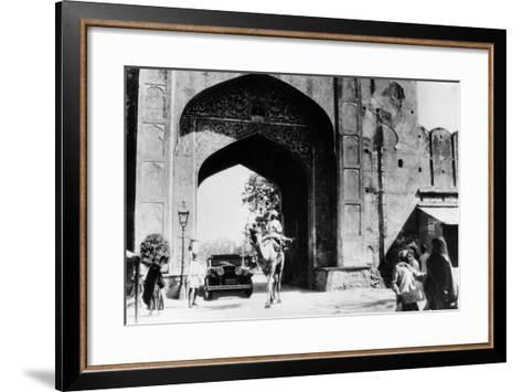 1930 Cadillac Saloon Beneath the Amber Gate, Jaipur, India, (C193)--Framed Art Print