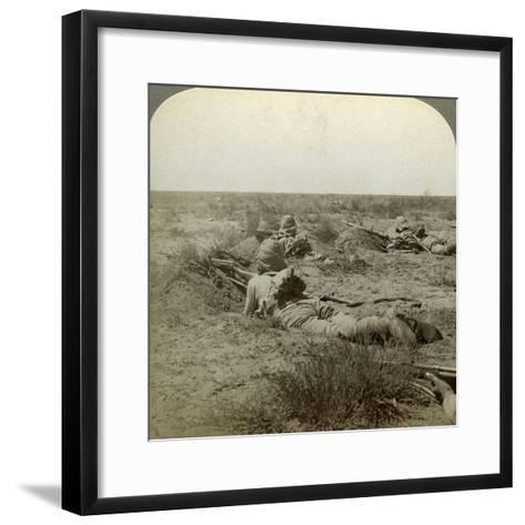 On the Fighting Line with the Queen's Finest, Modder River, South Africa, Boer War, 1899-1902-Underwood & Underwood-Framed Art Print