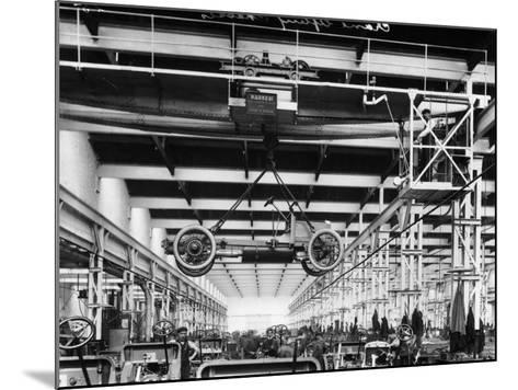 The Daimler Chassis Shop, C1911-C1914--Mounted Photographic Print