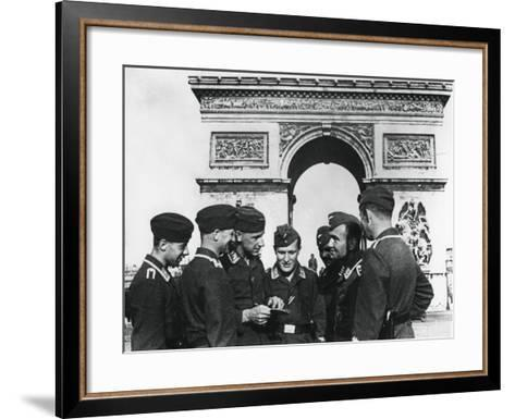 Occupying German Troops at the Arc De Triomphe, Paris, June 1940--Framed Art Print