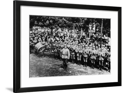 German Military Band at the Parade on the Place De L'Etoile, Paris, June 1940--Framed Art Print