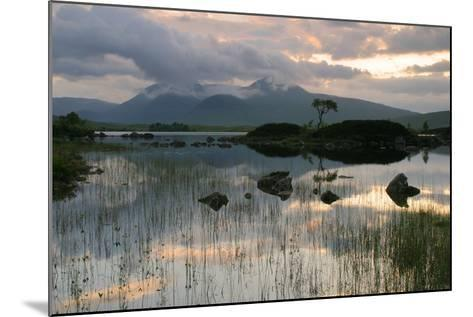 Black Mount, Argyll and Bute, Scotland-Peter Thompson-Mounted Photographic Print