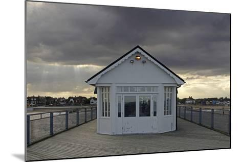 Pier, Southwold, Suffolk-Peter Thompson-Mounted Photographic Print